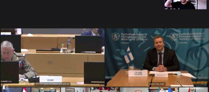 העיתונאי דניאל ורלאן בשיחת הווידאו הסודית של שרי ההגנה האירופים 🖼️ ורלאן