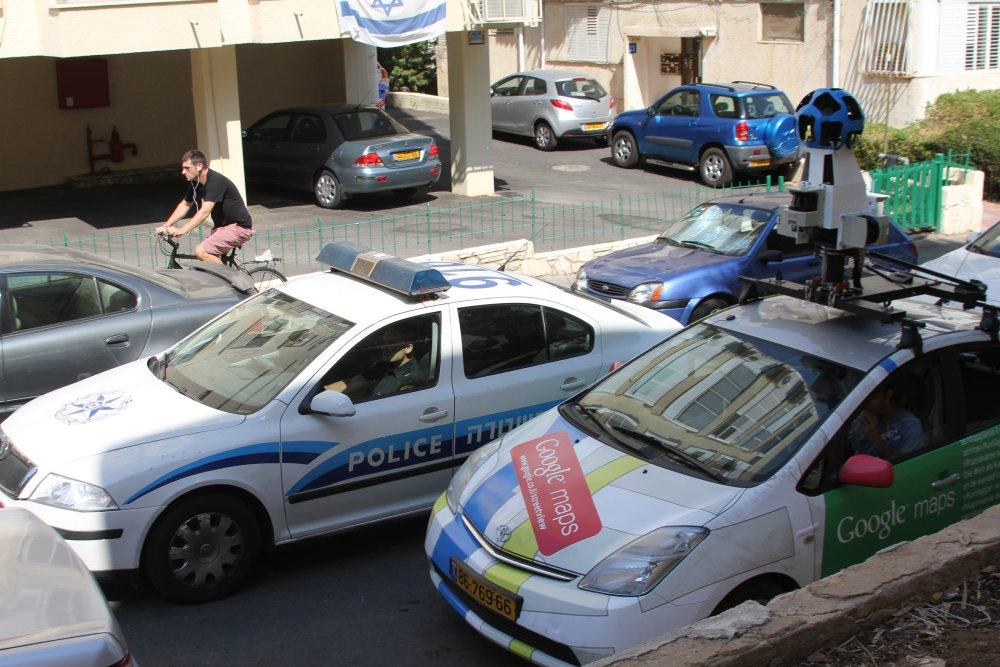 ניידת צילום של גוגל סטריט ויו בתל אביב 🖼️ עידו קינן, חדר 404 (cc-by-sa)
